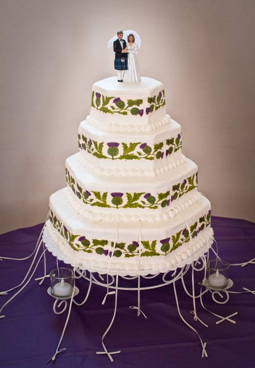 how much wedding cake for 200 guests images of wedding charm cakes and celebrations 15551